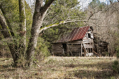 Old farm shed or barn - Anderson Co. S.C. (DT's Photo Site - Anderson S.C.) Tags: andersonsc canon 6d 24105mml rural rustic vintage southern country roads farm barn vanishing america landscape