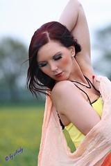 Blumenfrau (fotoandy69) Tags: girl sommer wiese blumen portrt gelb modell kleid gesucht