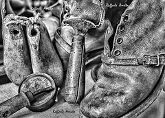 Antique cobbler's tools of Volterra 2 Monocrome (Torrelunapescablu) Tags: old italy white monochrome leather work ancient shoes europe skin handmade antique crafts volterra indoor tools workshop footwear tuscany forms punch slippers artisan fit cobbler shoemaker olden molds blach bygone
