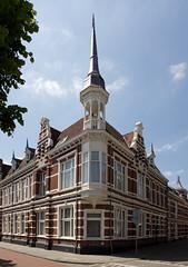 Den Bosch - Koningsweg (grotevriendelijkereus) Tags: city house holland tower home netherlands architecture town toren den nederland s center historic huis centrum turret brabant bosch stad hertogenbosch noord historisch binnenstad