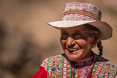 Peruvian woman in traditional dress (Henk Verheyen) Tags: peru winter pe woman traditional andes arequipa mountains dress