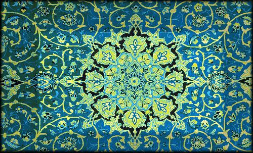 """Alfombras, espacios íntimos que simbolizan templos, árboles de la vida y el conocimiento, astros y paradisos. • <a style=""""font-size:0.8em;"""" href=""""http://www.flickr.com/photos/30735181@N00/32610069175/"""" target=""""_blank"""">View on Flickr</a>"""