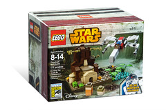 SDCC 2015 LEGO Star Wars Dagobah Mini-Build (hello_bricks) Tags: starwars lego sandiego superman dccomics marvel comiccon exclusive dagobah sdcc ultron hellobricks