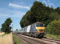 90 008 Kelvedon LC (kitmasterbloke) Tags: train kelvedon class90 greateranglia abeilio gemlelectriclocomotive
