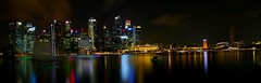 Singapur Skyline stitched (AndyMc87) Tags: singapur singapore skyline stitched panorama night reflection marina bay longtimeexposure langzeitbelichtung sky clouds canon eos 6d water fontain