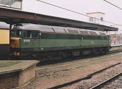 "British Railways Green Class 47/7, 47773 / D1755 (37190 ""Dalzell"") Tags: britishrailways twotonegreen res railexpresssystems railnet brush sulzer type4 duff spoon class47 class477 d1755 47773 47541 47161 vintagetrains 1z58 1z59 railtour york"