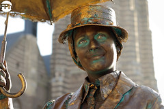 Mary Poppins (Frankhuizen Photography) Tags: mary poppins weert netherlands 2016 performance living statues street straat levend standbeeld fotografie photography smile glimlach statue umbrella paraplu