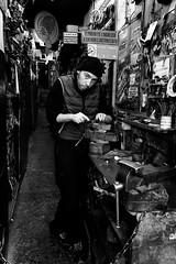 Botteghe Sottoripa - Superbi. I genovesi e la loro città (Tiziano Caviglia) Tags: genova genoa liguria streetphotography people persone crafts mestieri negozio shop sottoripa caricamento superbiigenovesielalorocittà fujifilm fujifilmx70