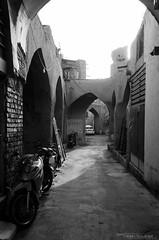 Alleys of Isfahan (Fabian_Voswinkel) Tags: iran beautifulcountry travel trip reise esfahan isfahan alleys bw schwarzweis schwarzweiss blackandwhite gloomy iranian persian iranisch persisch