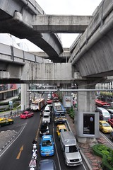 Traffic around Siam Square (Thorsten Reiprich) Tags: city sea urban streets travelling cars thailand spring asia day capital bridges heat humid thep      krung    patumwan      wangmai