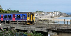 local at St Ives (sth475) Tags: uk railroad bridge autumn water train bay coast cornwall diesel railway passenger stives dmu multipleunit class150 150232