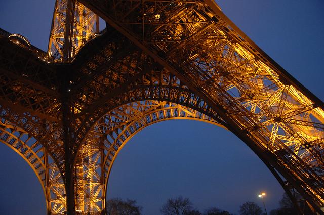 エッフェル塔での夕食+セーヌ川クルーズ(パリ発のオプショナルツアー)