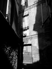 street Teate (massicam) Tags: bw monochrome vertical strada italia centro streetphotography corso persone mobilephone column architettura socialdocumentary centrostorico blackanwhite biancoenerochieti