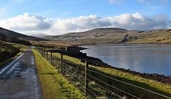 Scar House Reservoir (Paul Thackray) Tags: yorkshire northyorkshire nidderdale scarhousereservoir deadmanshill littlewhernside greatwhernside water fence 2017