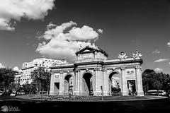 La puerta de Alcalá (silvia_photog) Tags: madrid spain puertaalcala monumento