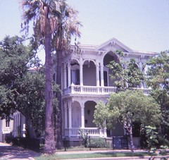 Galveston Victorian Houses (Stabbur's Master) Tags: galveston texas lonestarstate galvestonhouses galvestonvictorianhouses galvestoneastendhistoricaldistrict eastendhistoricaldistrict gothicvictorian 1228sealystreet sealystreethouses victorianarchitecture victorianhouse victorians