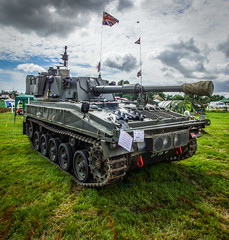 Vickers Abbot 433 Self Propelled Gun 1967 GB (Aultone) Tags: self army war gun peace military july nostalgia gb 1967 vehicle armour racecourse folkestone propelled 433 abbot vickers revival the tracked armoured 2015 2226 aultone 24455265