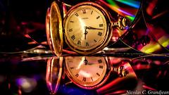 478 - tic toc (nix.grandjean71) Tags: clock colors cd light fuji xm 1 time
