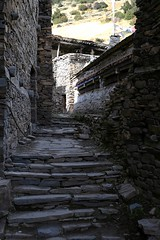 Tibetan-style village (pavel B.) Tags: nepal annapurnacircuit