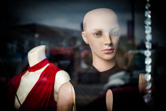 (364/366) Her Memories of Dresses, Hair, and Heads (CarusoPhoto) Tags: john caruso carusophoto pentax ks2 pentaxsmcpentaxda50200mmf456edwr chicago city urban mannequin window store shop bald woman street photo day project 365 366