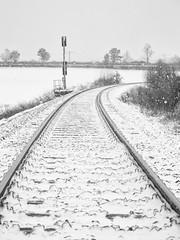 Ammertalbahn (jmwill2005) Tags: bahn bahnlinie schienen ammertal ammertalbahn herrenberg tübingen zug zugverkehr winter schnee schneeverwehung signal bahnsignal eisenbahn
