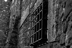 b&w window (TONY-BUENO - Barcelona) Tags: canon eos 5d 5dmkii 24105f4is blancoynegro bw blackandwhite