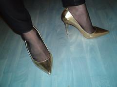 IM007443 (grandmacaon) Tags: escarpins hauttalon highheels pumps lowcutshoes toescleavage