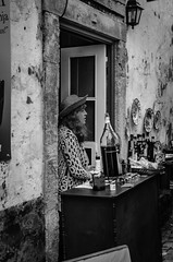 Barman (_Rjc9666_) Tags: street people bw portugal girl 1 places explore obidos selling bidos 1224 urbanphotography extremadura leiriadistrict nikkor35mm18 nikond5100 ruijorge9666