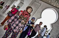 HL8A6473 (deepchi1) Tags: muslim uae mosque abudhabi unitedarabemirates hijabs