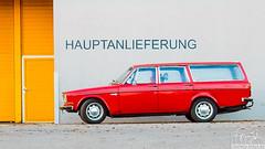Volvo (LitschiCo-Erfurt.de I Fotografie) Tags: volvo auto altervolvo rotesauto fotografinmelaniekahl erfurt kombi moment nikon