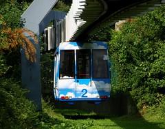 Technische Universitt Dortmund 25.08.2010 (The STB) Tags: siemens dortmund hbahn suspendedrailway hngebahn tudortmund technischeuniversittdortmund siemenspeoplemover trencolgante haningrailways sipem