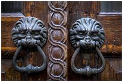 Doorhandle (Der Reisefotograf) Tags: doors doorhandle wooden fujixt10 fujix fuji