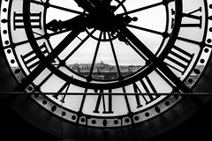 The time is gone... (Paris) (Ondablv) Tags: dorsay orsay musee museo orologio torre vista parigi attraverso throw clock time timer station stazione panorama paris