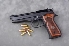 JAB6135 (Joseph Berger Photos) Tags: 9mm berretta berrettam9 gun pistol firearms