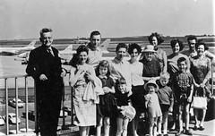 Brussels (Zaventem) 1968 (Pierre♪ à ♪VanCouver) Tags: famille zaventem airport belgium belgique belgië belgien aéroport family famiglia 2emedepart