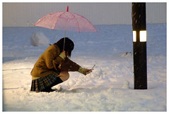 picture of snowman (glowingstar) Tags: snow japan umbrella tokyo snowman cellphone 500v50f   ketai schoolgirl