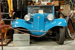 Tier - Luftschutzkasten 39 (BlueBreeze) Tags: blue car museum blau domino 39 tatra tierluftschutzkasten holzvergaser thebiggestgroup