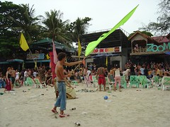 DSC03934 (evanrosenfeld) Tags: 2005 party moon thailand may full kohphangan fullmoonparty thai1 top1