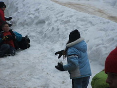 Rachel makes a toss (spy kids at lwc) Tags: slopes winterretreat campcourtney