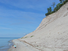 In the Michigan Immense Public Park (farlane) Tags: beach michigan dunes shoreline lakemichigan greatlakes sleepingbeardunes leelanau pyramidpoint mipp myfavoritemichigan