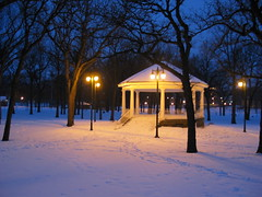 Island Park Gazebo, winter (Fargo, North Dakota) (post.ndakota) Tags: trees winter light snow night twilight quiet dusk parks structures northdakota americana urbandesign weeklysurvivor fargo vivaldi meditative gazebos islandpark culturallandscape oldstructures judgementday54