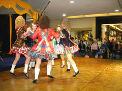 Meet The Irish - Laurel Park Place (detroitirish) Tags: music irish dancers detroit detroitirish fleadh irishdancers ceol rince