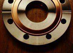 Horseless Horseshoe (Jack Hess) Tags: stuck vacuum copper gasket viewport uhv ultrahigh