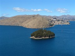 Titicaca Islands (GuiseppePepe) Tags: sky cloud mountain lake titicaca bolivia andes isladelsol ellago isladelaluna
