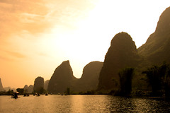 Yangshuo II (Life in AsiaNZ) Tags: china beautiful tag3 taggedout canon river landscape yulong scenery asia tag2 tag1 500v20f top20sunrisesunset guilin yangshuo 100v10f powershot ixus   karst guangxi      mireasrealm  lifeinnanning flickrgiants