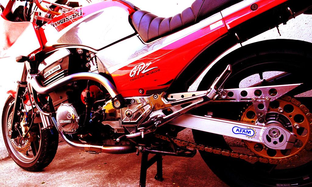 Kawasaki GPZ-R 900 et 750, 1000 RX, ZX 10 TOMCAT 125558358_3c64f8c7a5_b