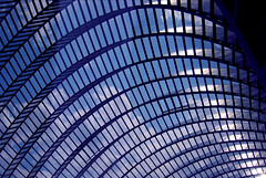 rippling (twoeightnine) Tags: blue 15fav building philadelphia glass architecture clouds pennsylvania centercity curves 2006 pa philly broadstreet kimmelcenter avenueofthearts seams worldcitycenters