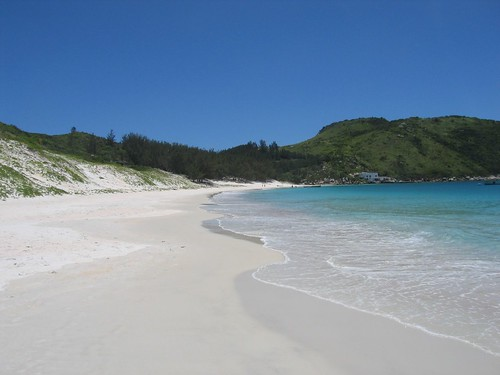 Arraial do Cabo - Ilha do Farol por Ric e Ette.