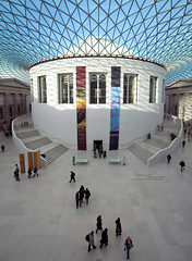 (J!mbo) Tags: blue england sky london museum court hall lenstagged savedbythedeletemegroup stitch wide wideangle saveme10 foster normanfoster british 1020mm britishmuseum canoneo