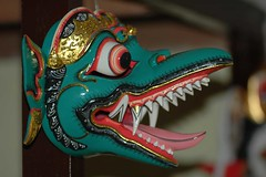 mask (ivokiwi) Tags: wood bali green bird monster tongue indonesia eyes mask teeth ohr ear grn tradition augen profil farben zunge maske thounge kult coulors kostume